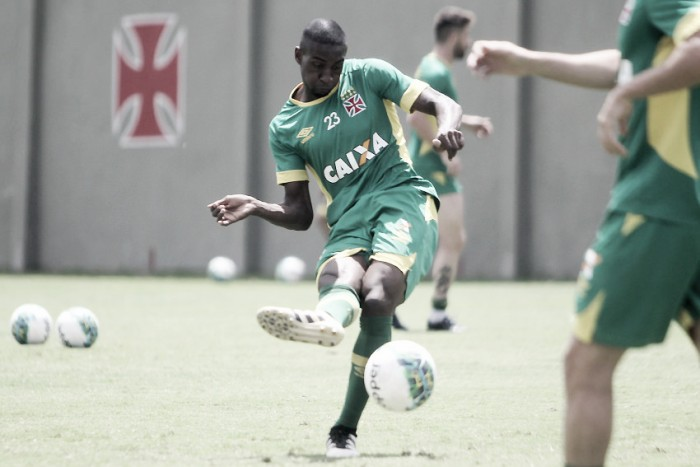 De volta ao time titular, William Oliveira ainda não sabe se terá o contrato renovado