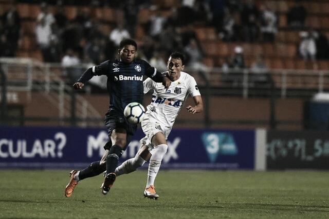 Na abertura do segundo turno, Santos recebe Grêmio em busca de se recuperar na tabela
