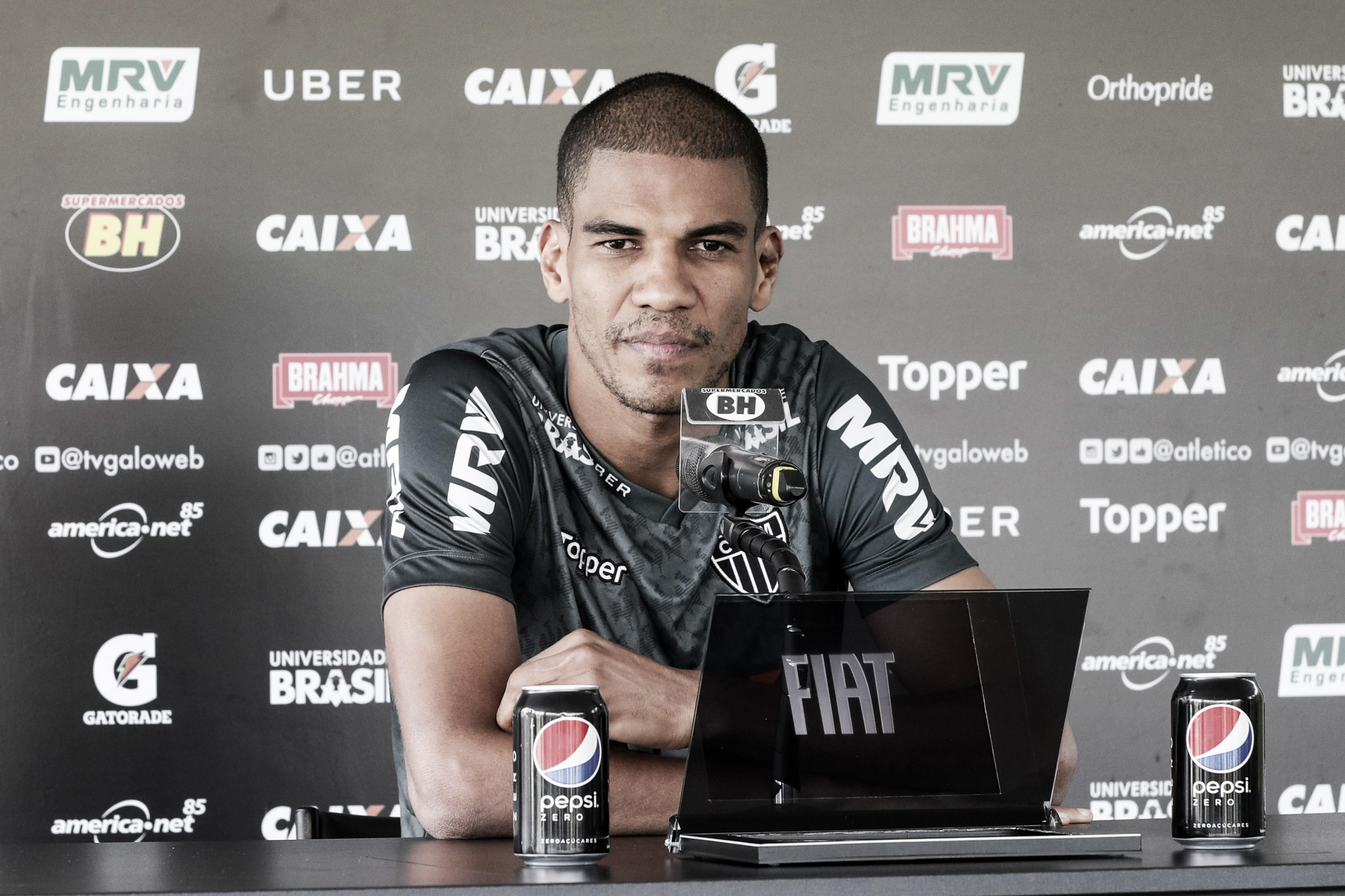 Às vésperas do clássico, Leonardo Silva inicia conversas para renovar com Atlético-MG