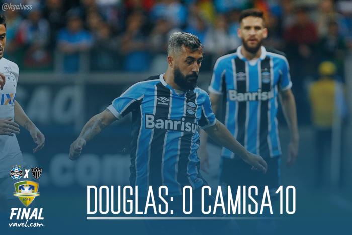 Douglas: o clássico camisa 10 e a vitória sobre a desconfiança