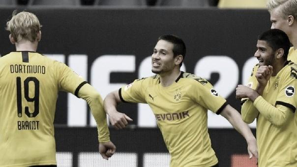 Borussia Dortmund vence al Schalke 04 en un partido histórico