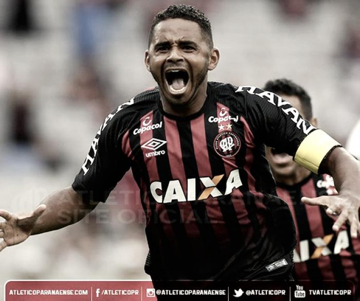 Em jogo de tempos distintos, Atlético-PR vence Maringá na estreia do Paranaense 2018