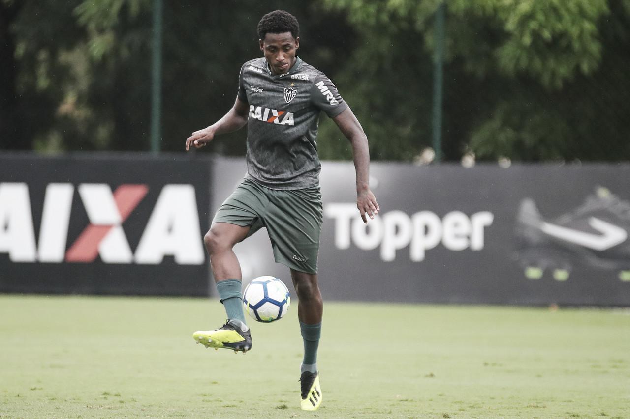 Fora dos planos, Denílson deve ser mais um a deixar o Atlético-MG