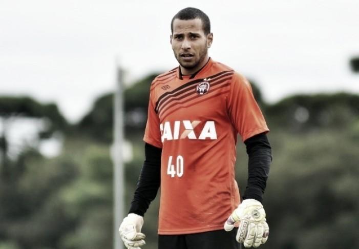 Mais um goleiro: Fluminense acerta contratação de Rodolfo, ex-Atlético-PR