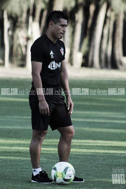 """Osvaldo Martínez: """"Lolo es quién da equilibrio al equipo"""""""