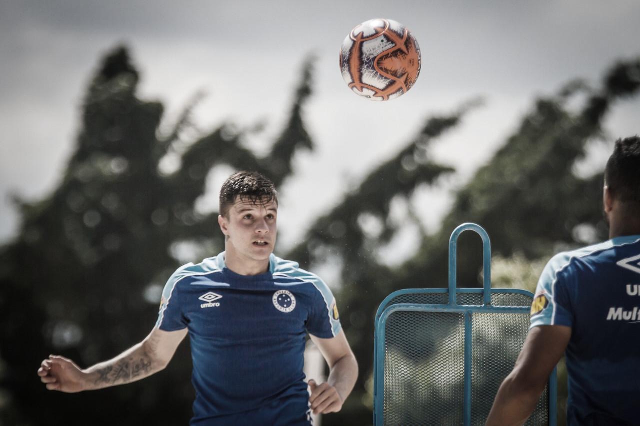 Distante de retorno, efetividade de Renato Kayzer é carecida no Cruzeiro