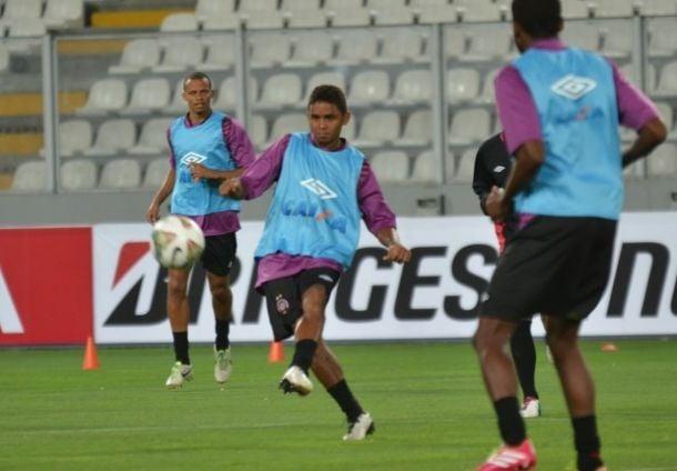 Atlético-PR enfrenta o Sporting Cristal pela primeira fase da Libertadores