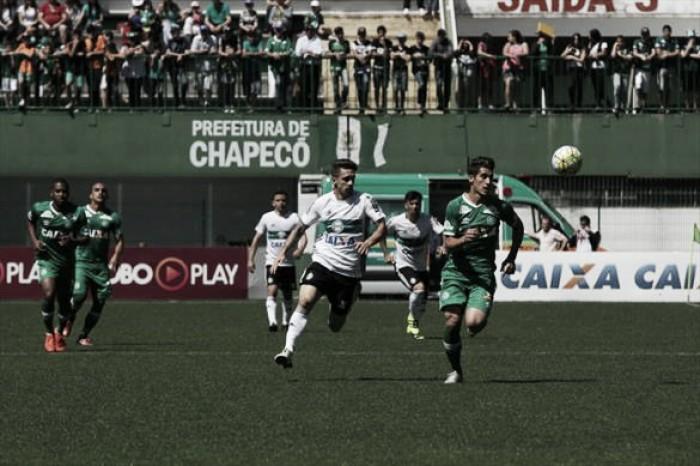 Em jogo equilibrado, Chapecoense bate Coritiba pelo placar mínimo