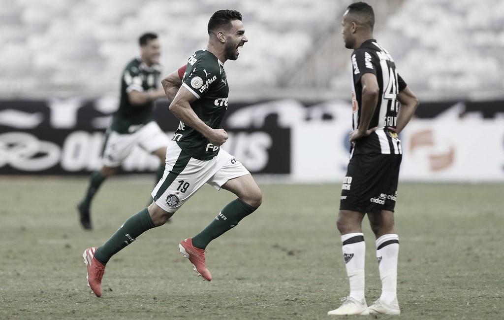 Palmeiras quebra tabu de doze anos, derrota Atlético-MG e assume a liderança do Brasileiro