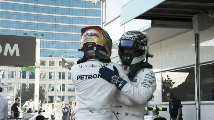 Hamilton voló en Bakú