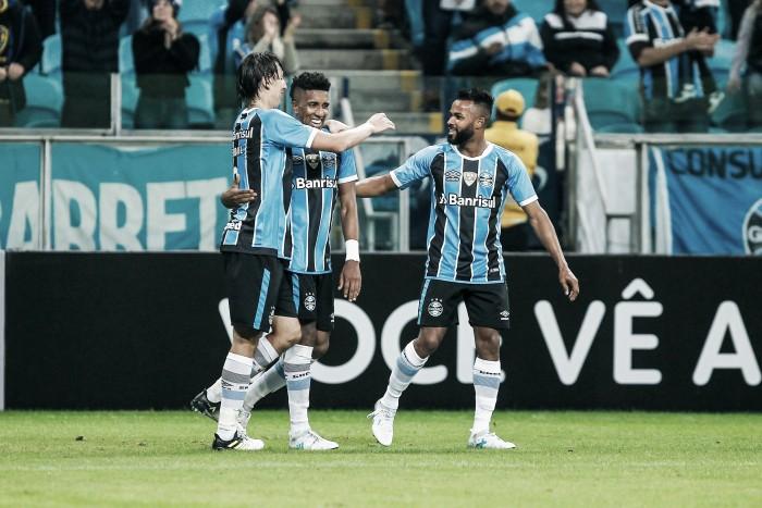 Grêmio supera retranca do Bahia no fim e se mantém na vice-liderança