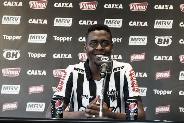Apresentado, volante Roger Bernardo admite ansiedade por estreia no Atlético-MG