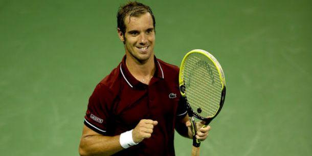Gasquet sort le grand jeu, Federer déjà dehors