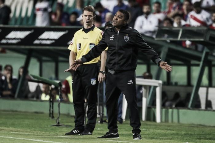 """Roger lamenta oportunidades perdidas pelo Atlético-MG em derrota: """"Não basta criar"""""""