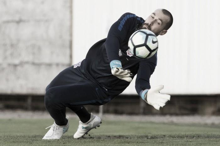 Corinthians recusa proposta do São Paulo por goleiro Walter