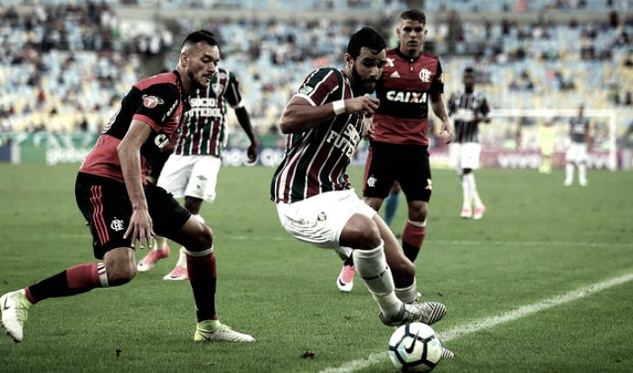 Em busca de reabilitação, Flamengo enfrenta Fluminense que tenta se afastar do Z-4
