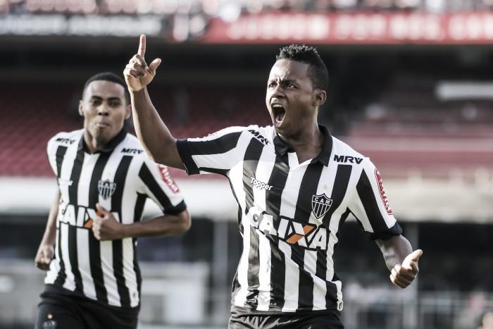 Atlético-MG bate São Paulo, alcança primeira vitória fora de casa e respira na tabela