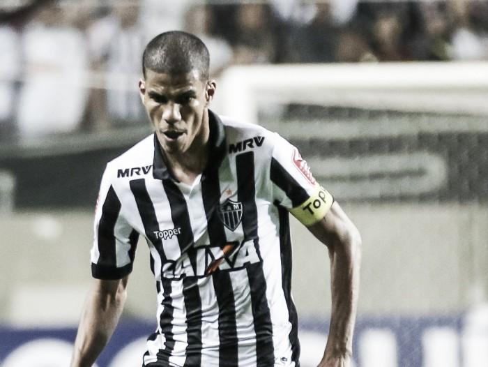 Segundo zagueiro-artilheiro na história do Brasileirão, Léo Silva projeta 'briga legal' com Réver