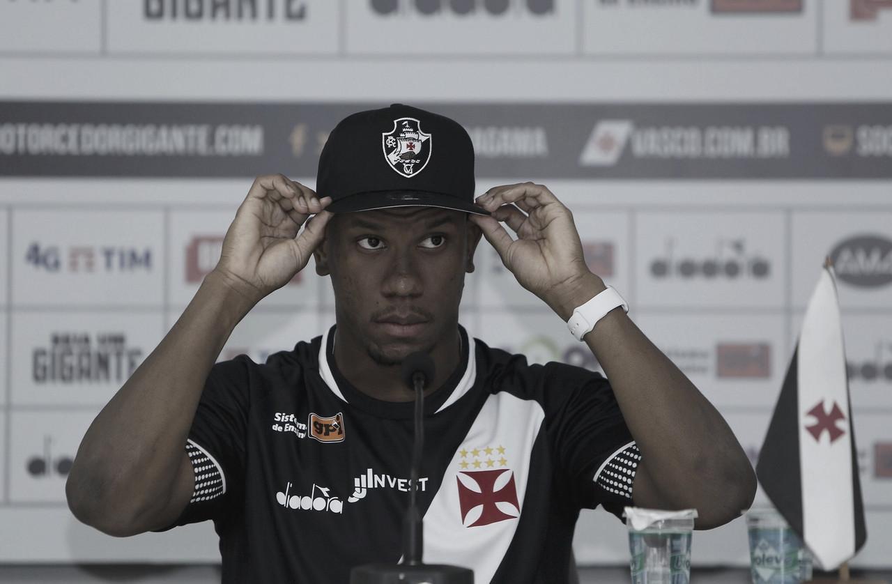 """Ribamar é apresentando no Vasco e declara: """"Chego motivado"""""""
