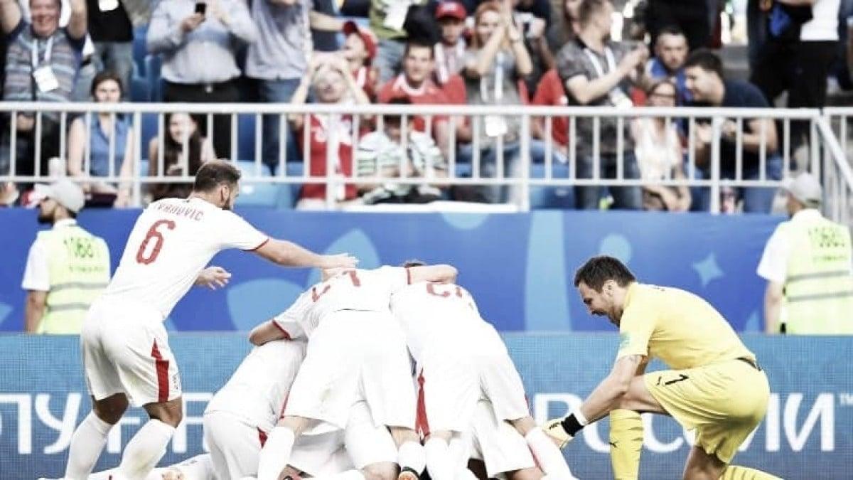 Com golaço de Kolarov, Sérvia bate Costa Rica na abertura do quarto dia da Copa do Mundo