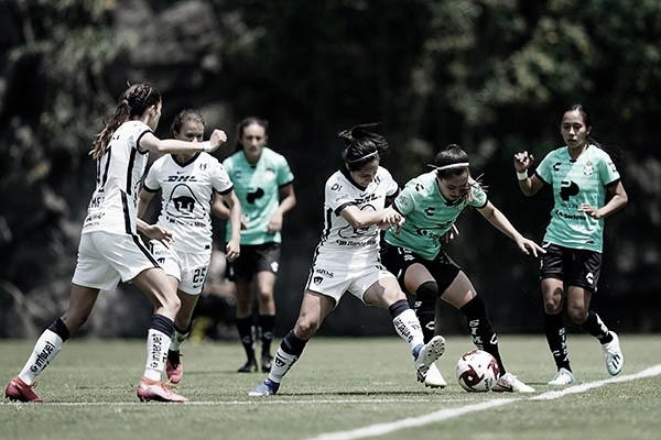 Santos se impone a Pumas Femenil