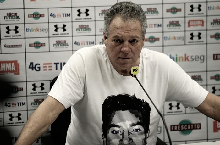 """Após vitória, Abel Braga agradece homenagens e desabafa: """"Meu filho está aqui comigo"""""""