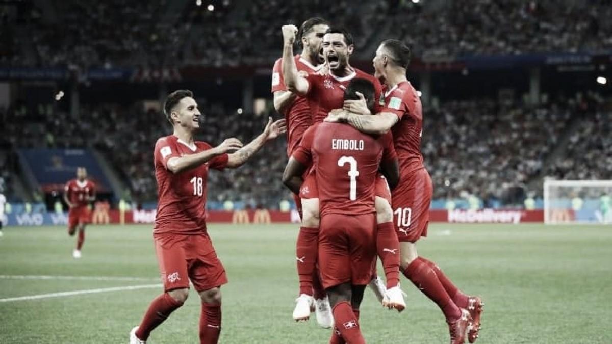 Suíça empata com já eliminada Costa Rica, fica em segundo no Grupo E e avança às oitavas de final