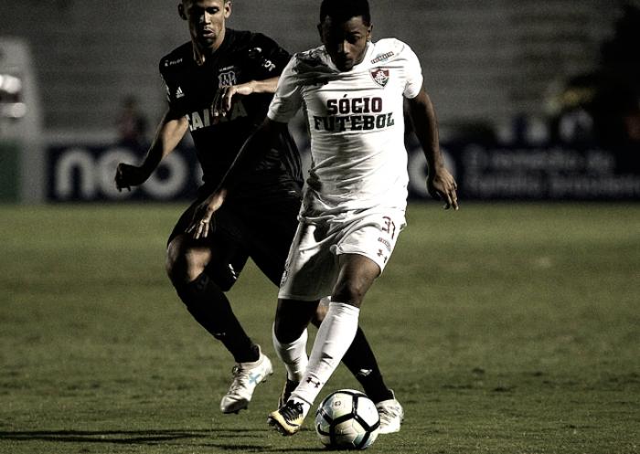 Ponte Preta e Fluminense perdem chance de saltar na tabela e empatam sem gols