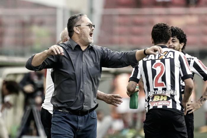 """Micale elogia postura do Atlético contra Flamengo: """"Concentração durante os 90 minutos"""""""