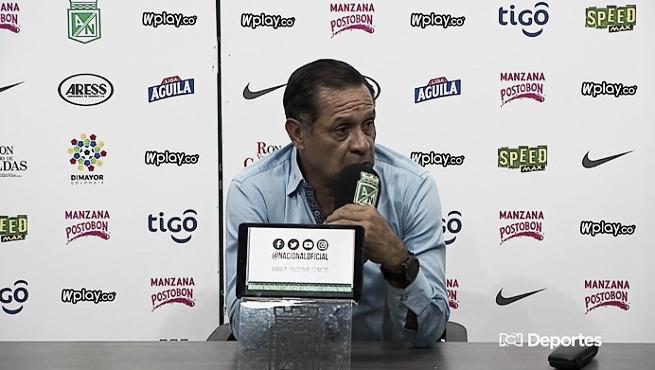 """Pompilio Páez: """"Fuimos superiores con el balón"""""""