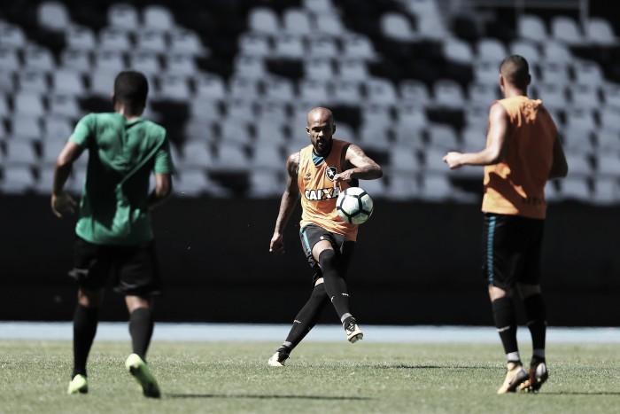 """Bruno Silva comenta sobre jogos decisivos do Botafogo: """"Nosso pensamento está no clássico"""""""