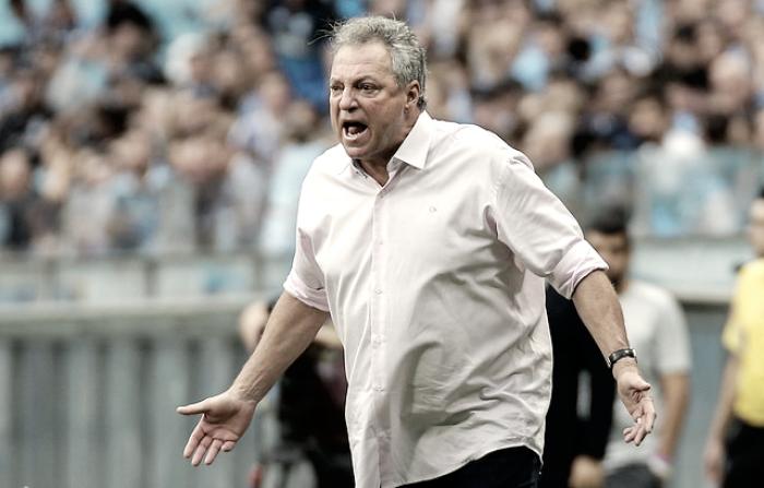 Grêmio trabalha parte física em treino com retorno de Geromel