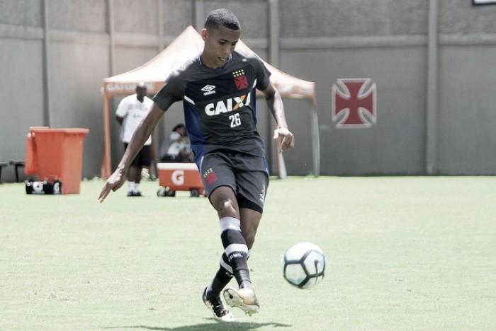 Lateral Madson comemora evolução do Vasco no Campeonato Brasileiro