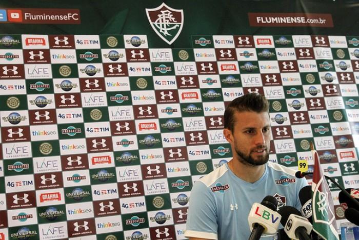 """Henrique foge de escalação e projeta duelo contra Coritiba: """"Equipe difícil"""""""