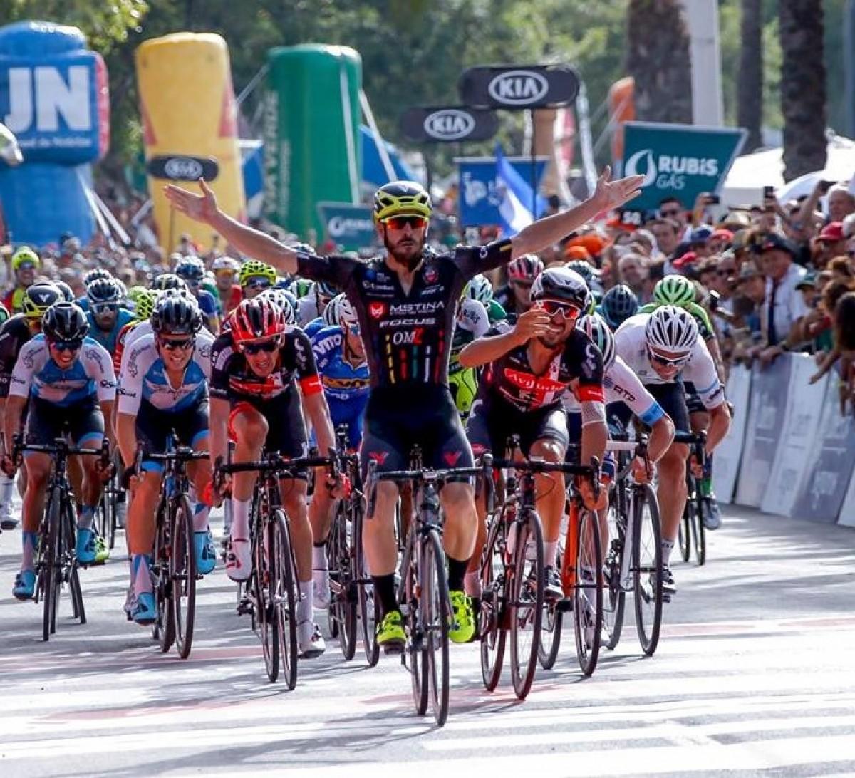 Volta: Riccardo Stacchiotti vence primeira etapa