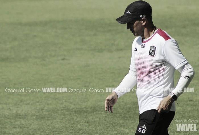 FÚTBOL-Monterrey golea a León en México con doblete de colombiano Hurtado
