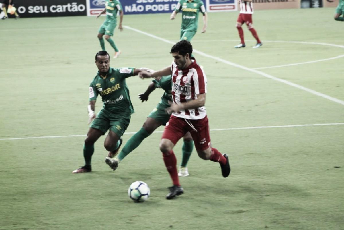 Com gol de Ortigoza e milagre do goleiro Bruno, Náutico vence Cuiabá e avança na Copa do Brasil