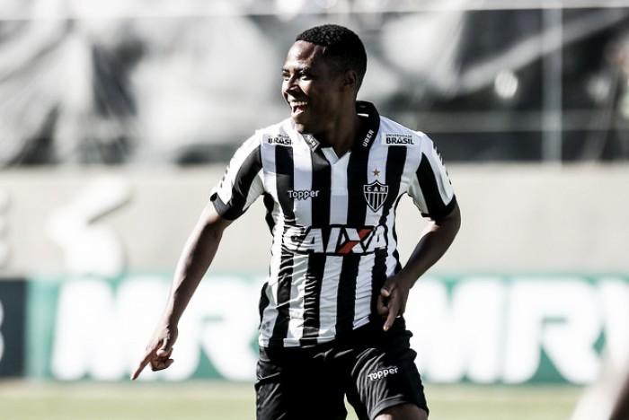 Mudanças táticas feitas por Oswaldo no Atlético-MG favorecem estilo de jogo de Elias