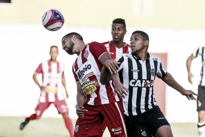 Volante Yago tem lesão no joelho direito detectada e desfalca Atlético-MG