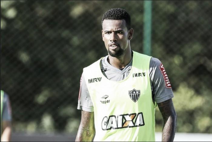 Felipe Santana se sente mais bem adaptado ao futebol brasileiro e espera chance no Atlético-MG