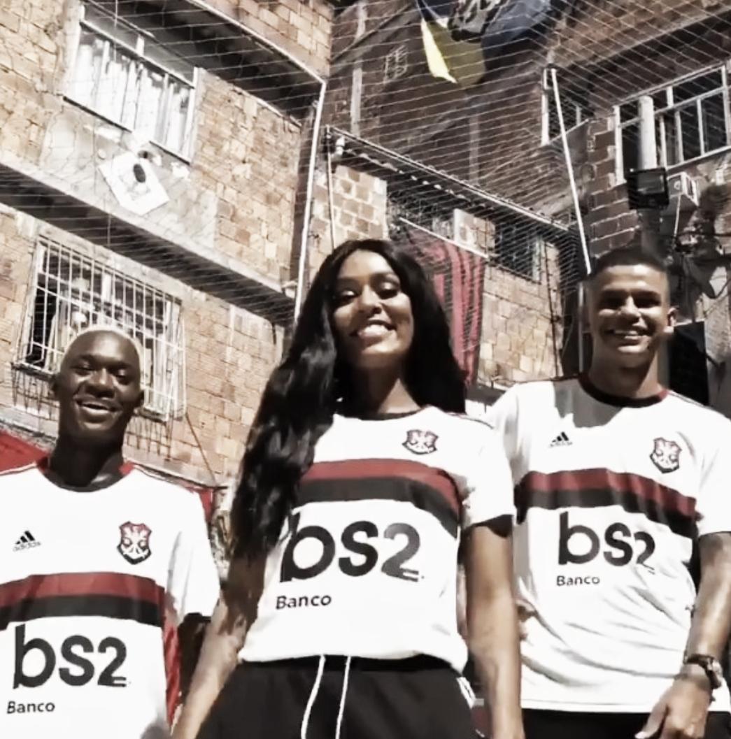 Flamengo lança nova segunda camisa fazendo alusão ao início do clube no remo