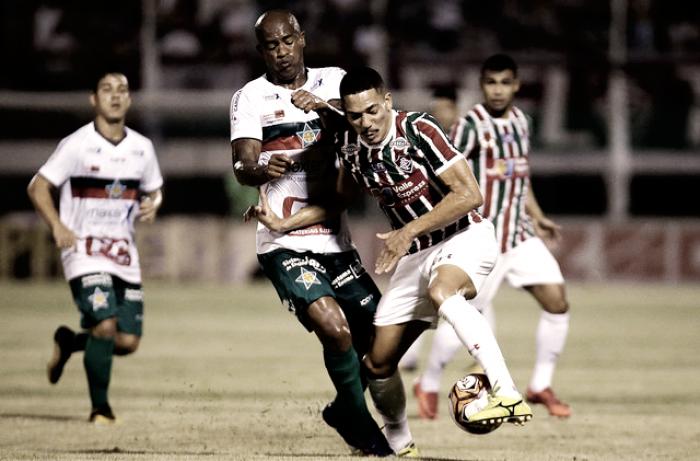 Notas: Fluminense comete erros, mudanças não surtem efeito e trave evita derrota
