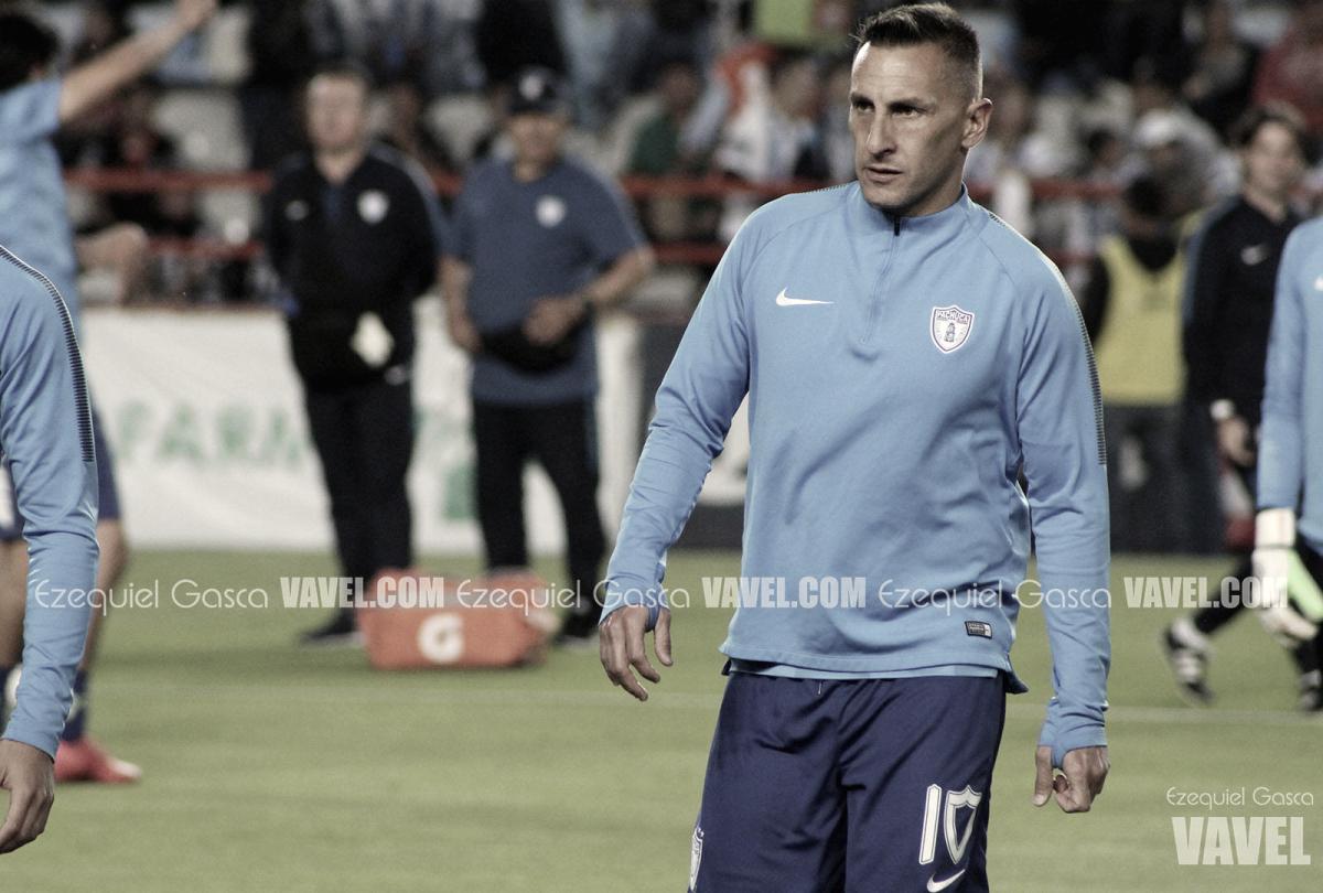 Christian Giménez, dolido después de la derrota en el Azul