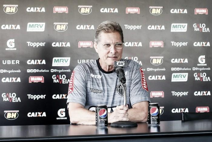 Oswaldo elogia garotos da base e vê Atlético-MG 'mais preparado' para partida em Nova Lima