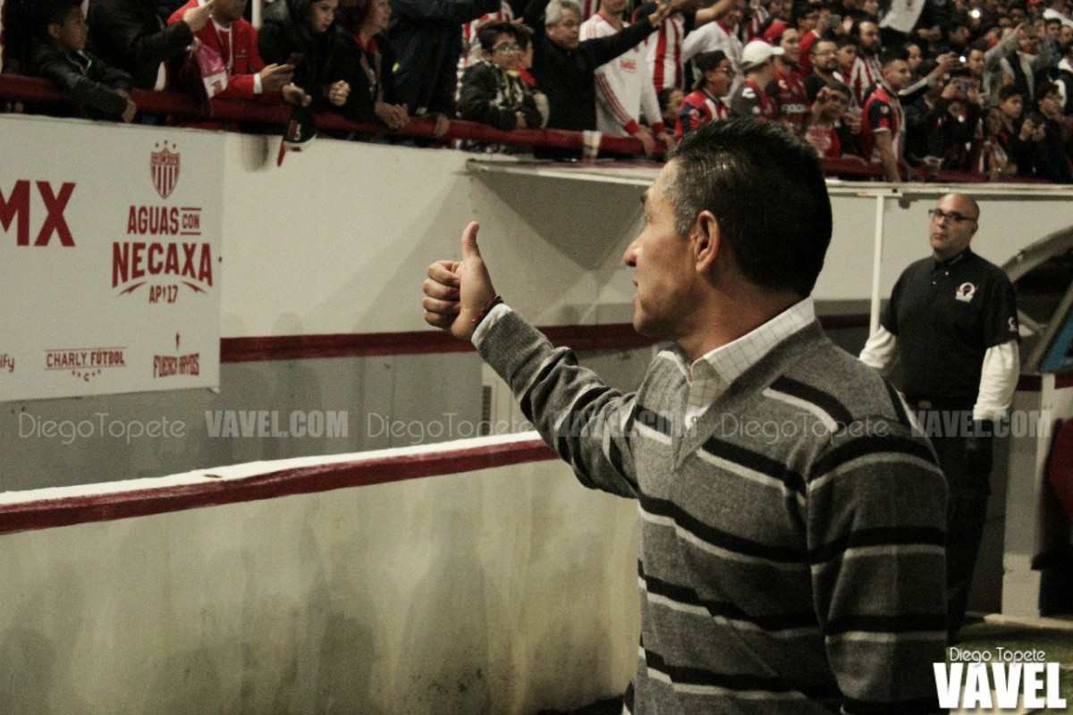 Nacho Ambriz deja de ser técnico de Necaxa