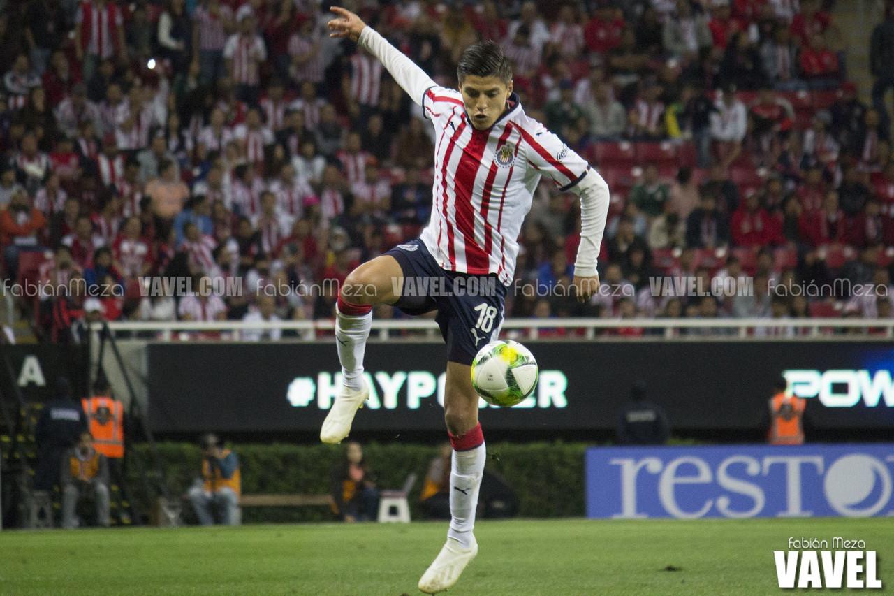 Ronaldo Cisneros podrá continuar su carrera futbolística en Chivas