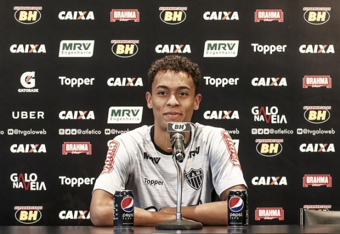 Joia da base, Bruno Roberto ganha espaço no profissional do Atlético-MG e celebra chance