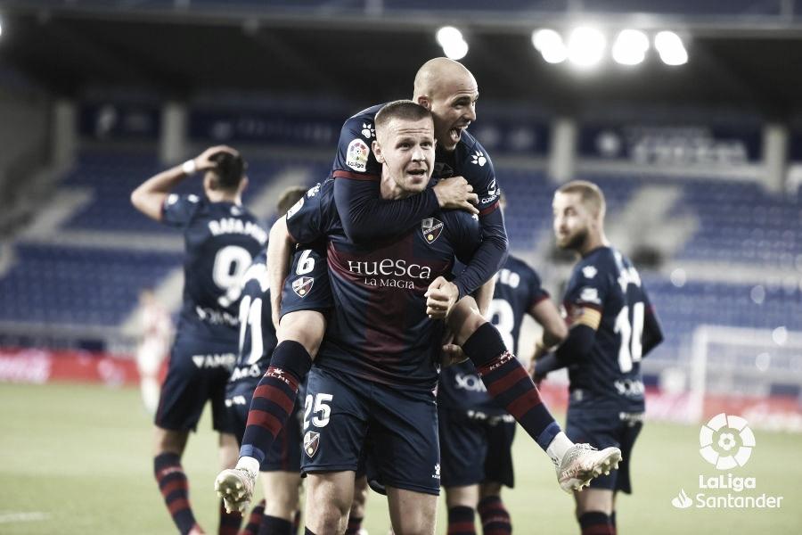 Súper Sandro Ramírez vuelve a salvar al Huesca