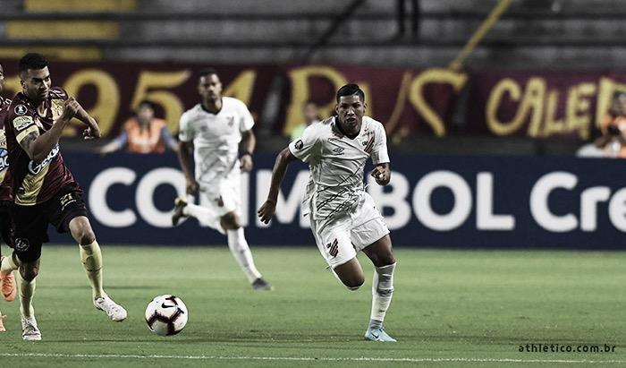 Podendo garantir classificação, Athletico-PR recebe Tolima pela Libertadores