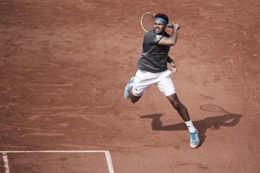 Tsonga bate Gojowczyk e marca encontro com Nishikori na segunda rodada de Roland Garros